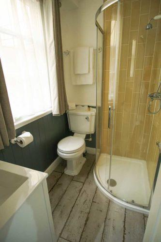 Central Southampton hotel bathroom